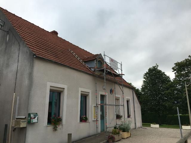 renovation-du-toit-de-la-mairie-en-juin-2016